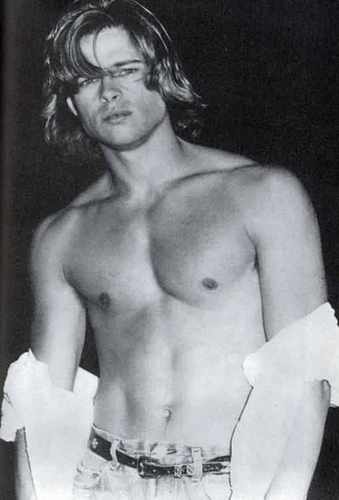 Brad_Pitt_shirtless_05